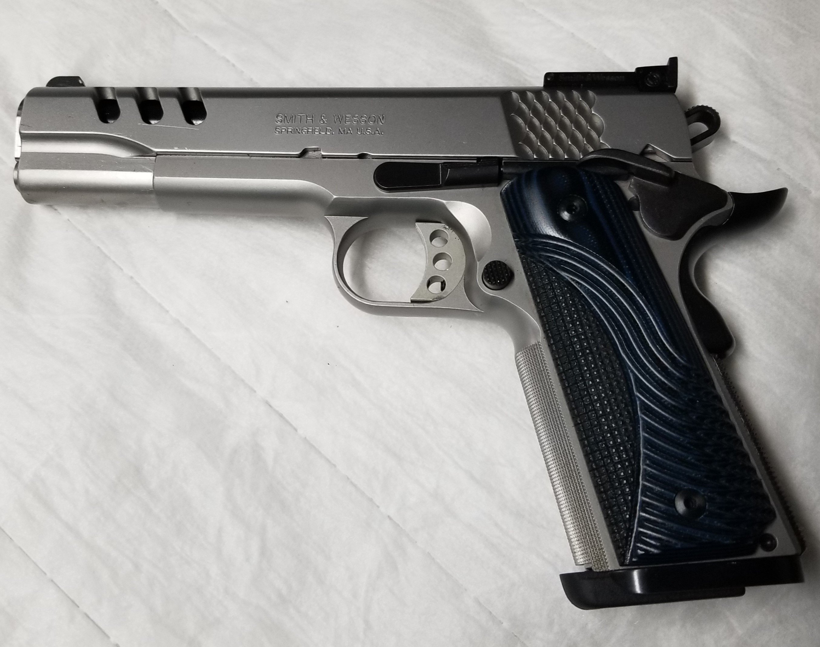 Click image for larger version  Name:1911 S&W PC.jpg Views:6 Size:739.7 KB ID:575076