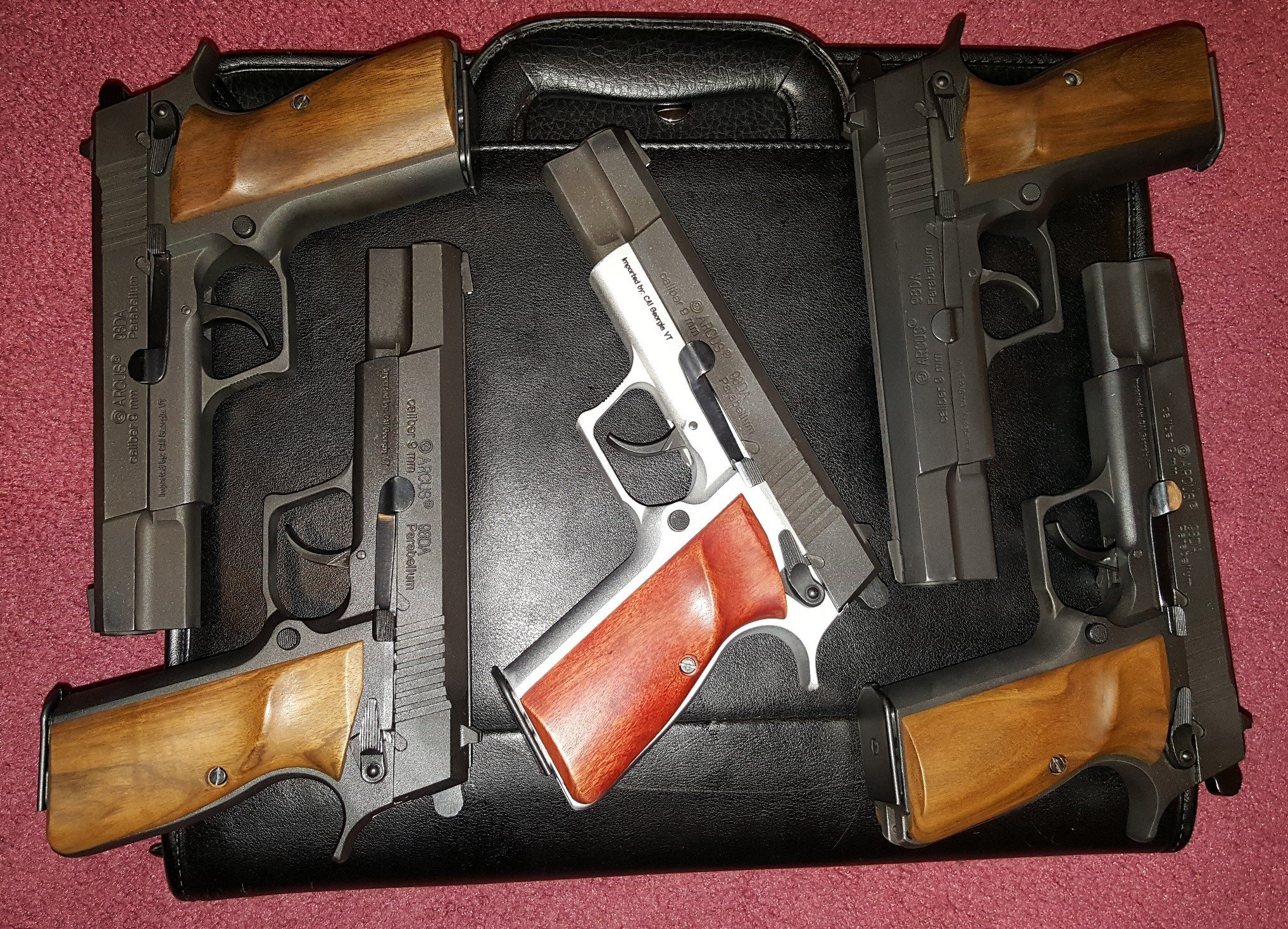 Arcus 98DAs with wood grips left side.jpg