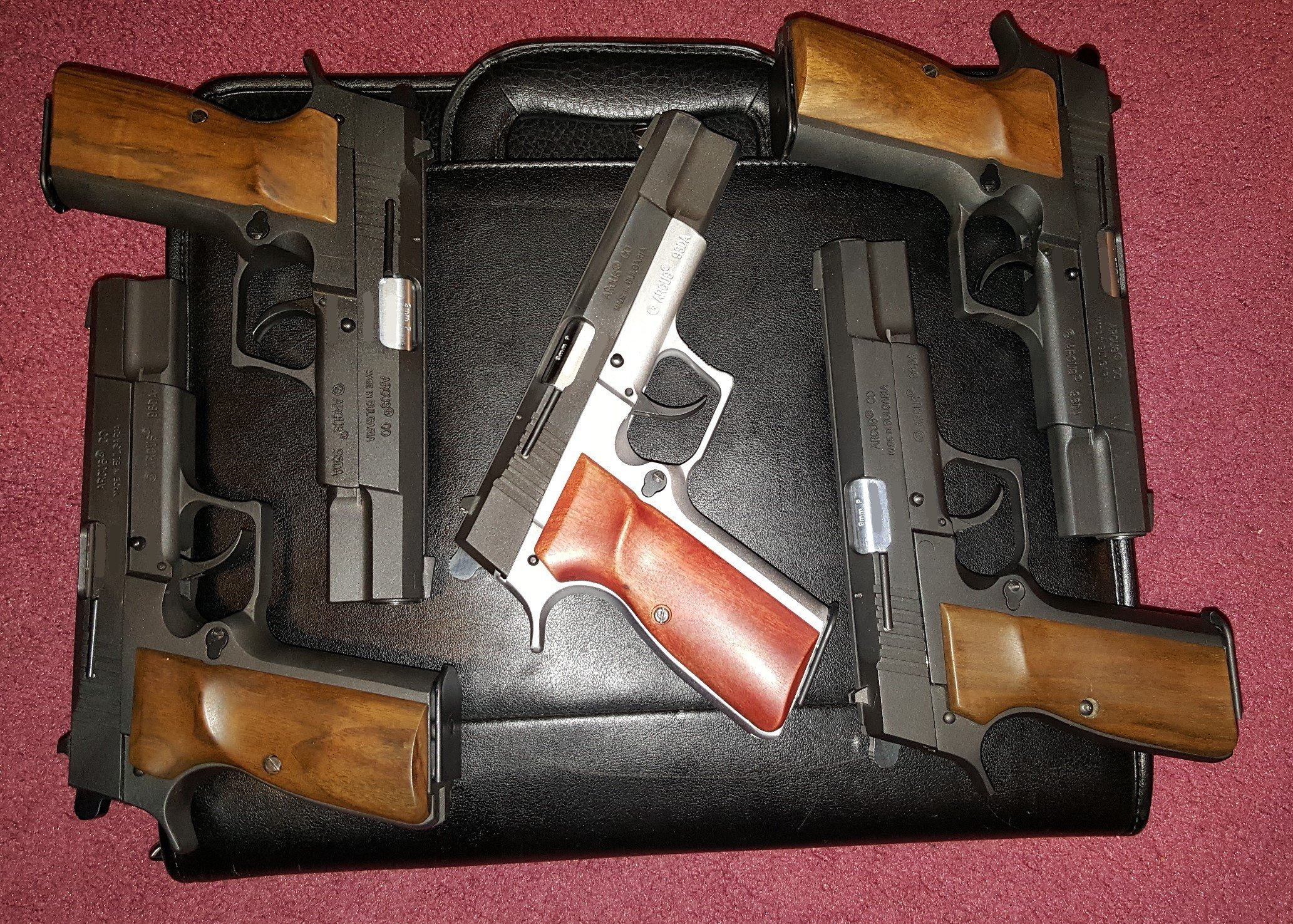 Arcus 98DAs with wood grips right side.jpg